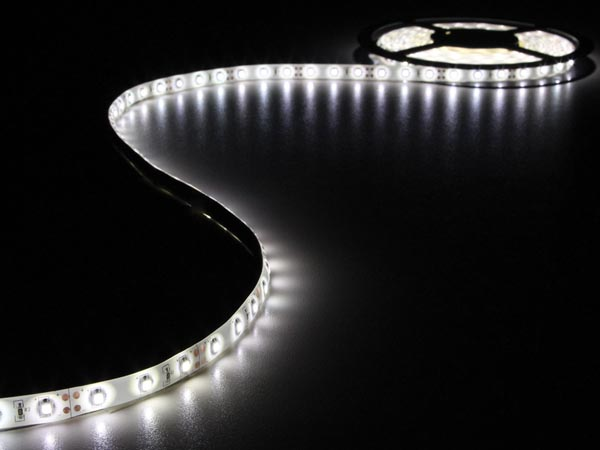 KIT WITH FLEXIBLE LED STRIP AND POWER SUPPLY - COLD WHITE - 300 LEDs - 5 m - 12 VDC - NO COATING