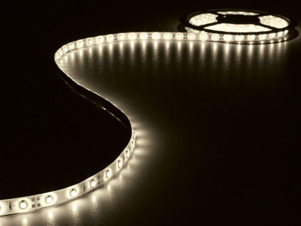 KIT WITH FLEXIBLE LED STRIP AND POWER SUPPLY - WARM WHITE - 300 LEDs - 5 m - 12 VDC - NO COATING