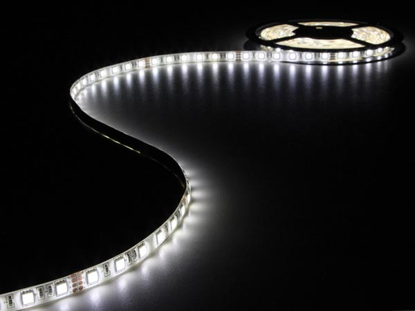 FLEXIBLE LED STRIP - NEUTRAL WHITE 4500K - 300 LEDs - 5m - 24V