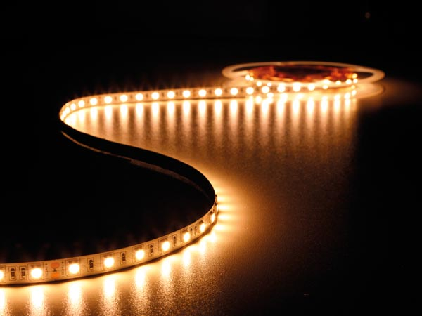 FLEXIBLE LED STRIP - WARM WHITE 2700K - 300 LEDs - 5m - 24V