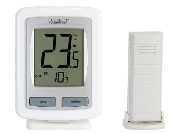 INDOOR/OUTDOOR TEMPERATURE STATION